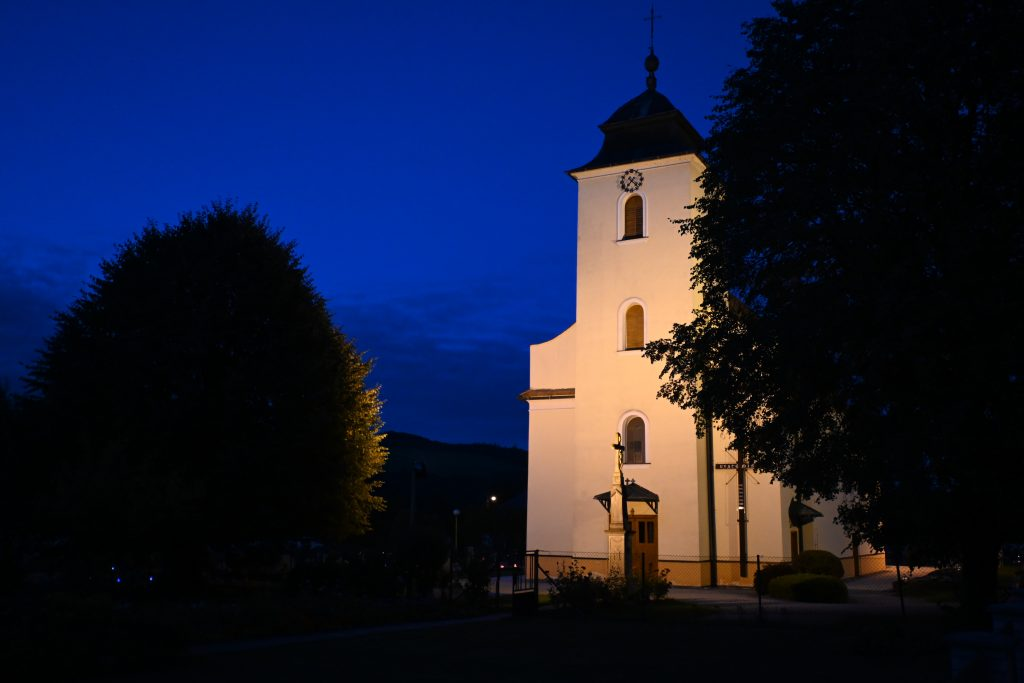 Štítná nad Vláří kostel