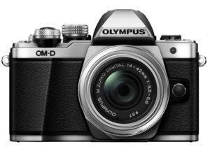 Olympus OM-D E-M10 Mark II je opravdu hezký (onen chrom je tedy plast, ale vypadá dobře...).